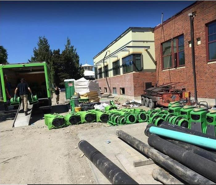 SERVPRO restoration equipment outside of commercial property